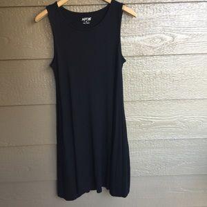 Apt. 9 black jersey mini Swingy Pocket Dress